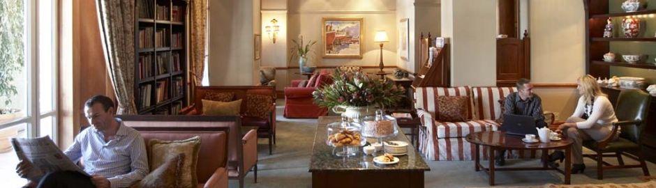 Cape Grace lounge b