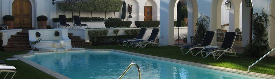 Marine Hotel Pool b