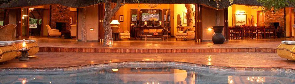 Tuningi Safari Lodge Pool b