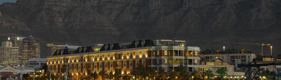 Cape Grace Hotel Dusk b