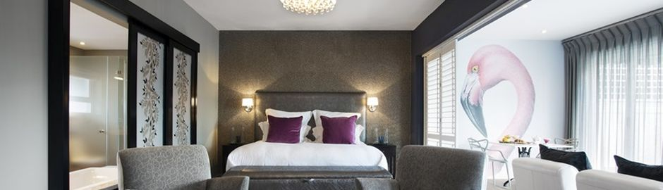 Majeka House Flamingo Pool Suite bedroom