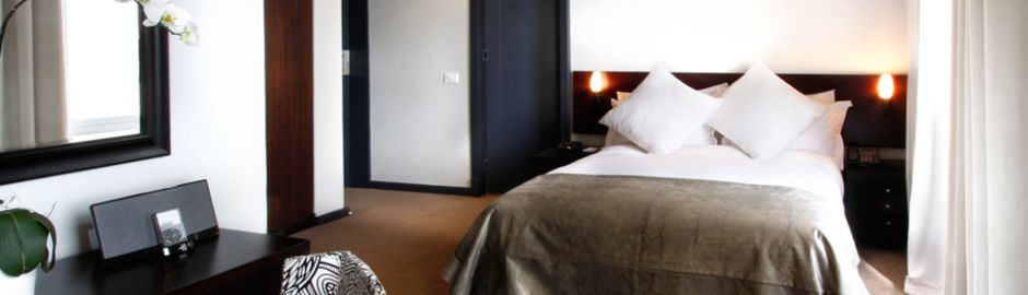 O on Kloof bedroom b