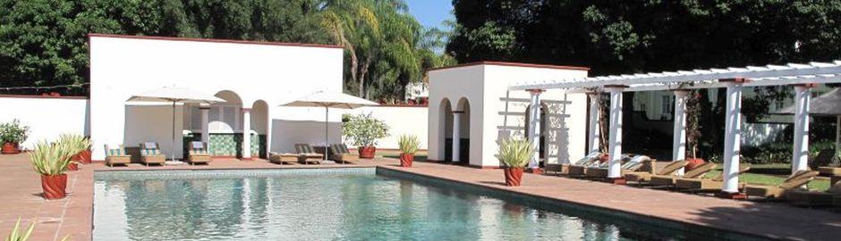 Victoria Falls Hotel Pool b