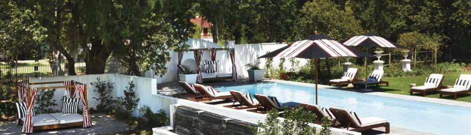 Alphen Boutique Hotel Pool 2 b