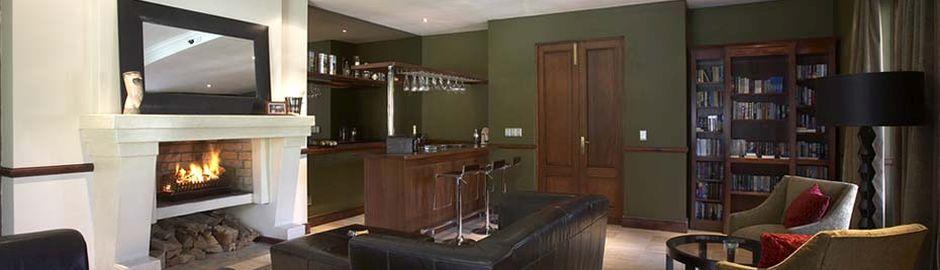 Nova Constantia bar lounge b