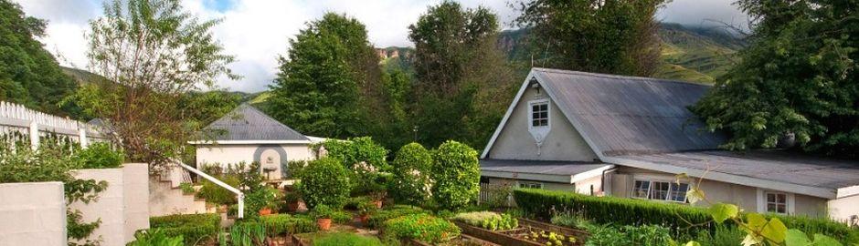 Cleopatra Mountain Farmhouse Gardens b