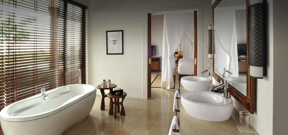 The Residence Zanzibar bathroom
