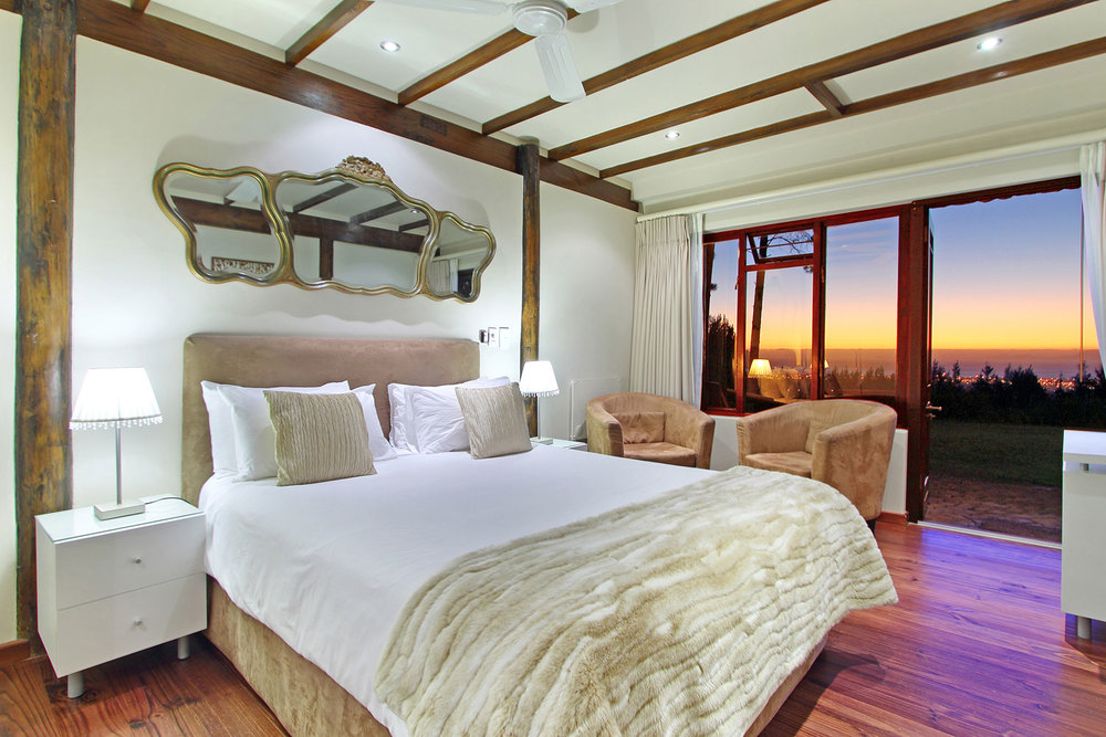 Bedrooom at Lalapanzi Lodge