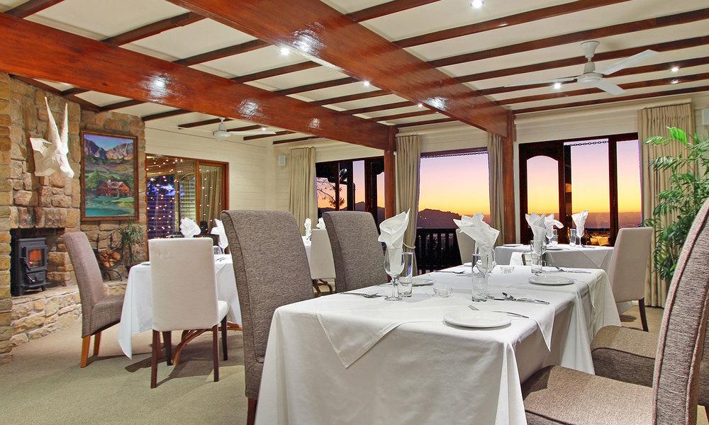 Dining room at Lalapanzi Lodge